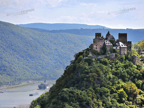 Schoenburg castle above Oberwesel